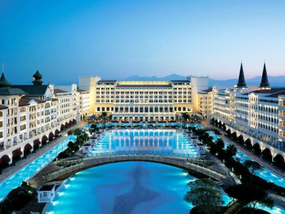 Top Luxurious Hotels in the World