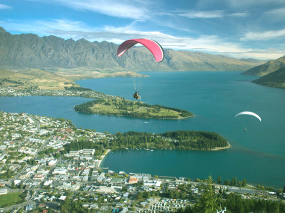 Queenstown Tours, Hotels, Restaurants, Culture & Things to Do - Travel Guide in New Zealand